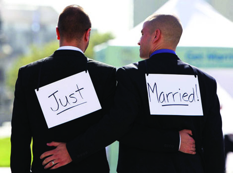 Married LGBT adults healthier, happier: Study