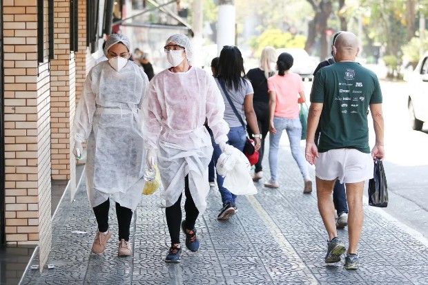 COVID-19 claims over 425,500 lives in Brazil