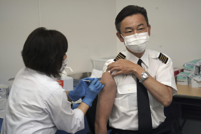 Japan Airlines begins on-site vaccinations for employees