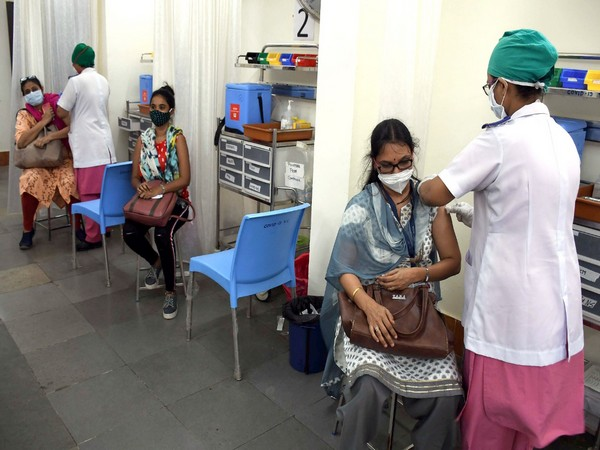 eople of Hyderabad welcome Centre's decision to procure vaccines for States